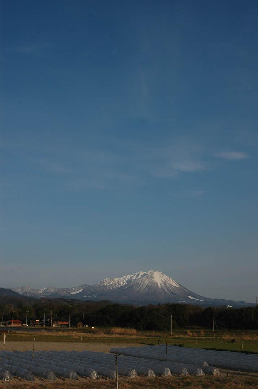 100330 青空と大山.jpg