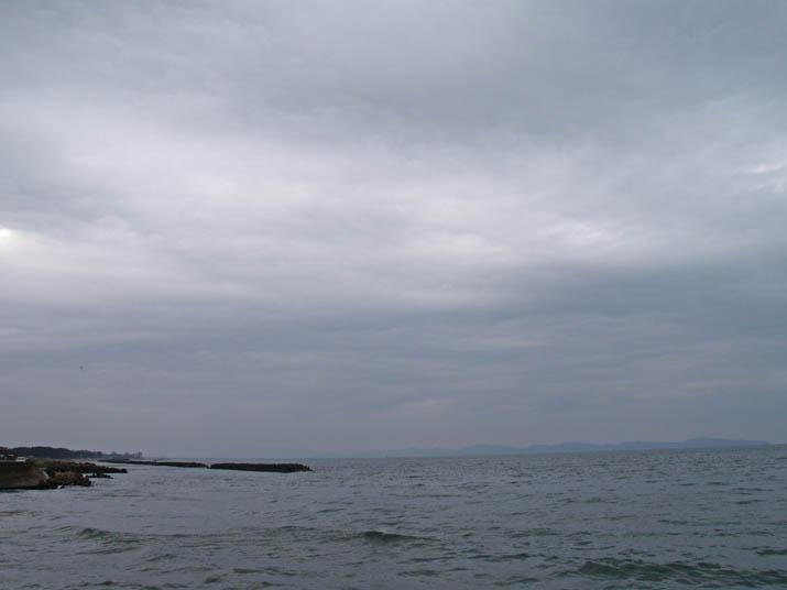 100413 厚い雲と美保湾.jpg