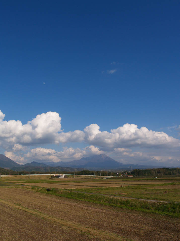 100424 青空と大山と入道雲.jpg