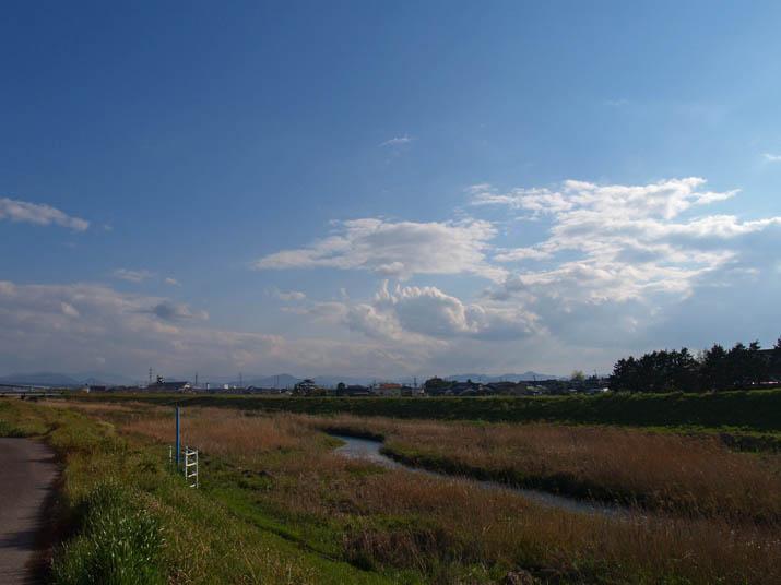 100424 佐陀川と今日の空.jpg