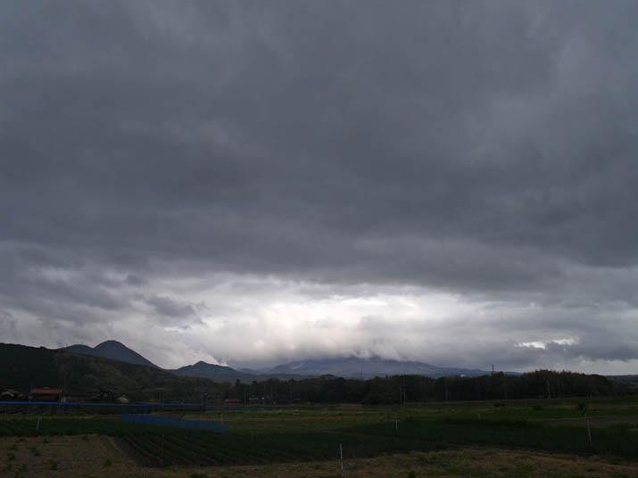 100427 今日の大山と雲.jpg
