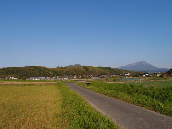 100501 大山と壺瓶山.jpg