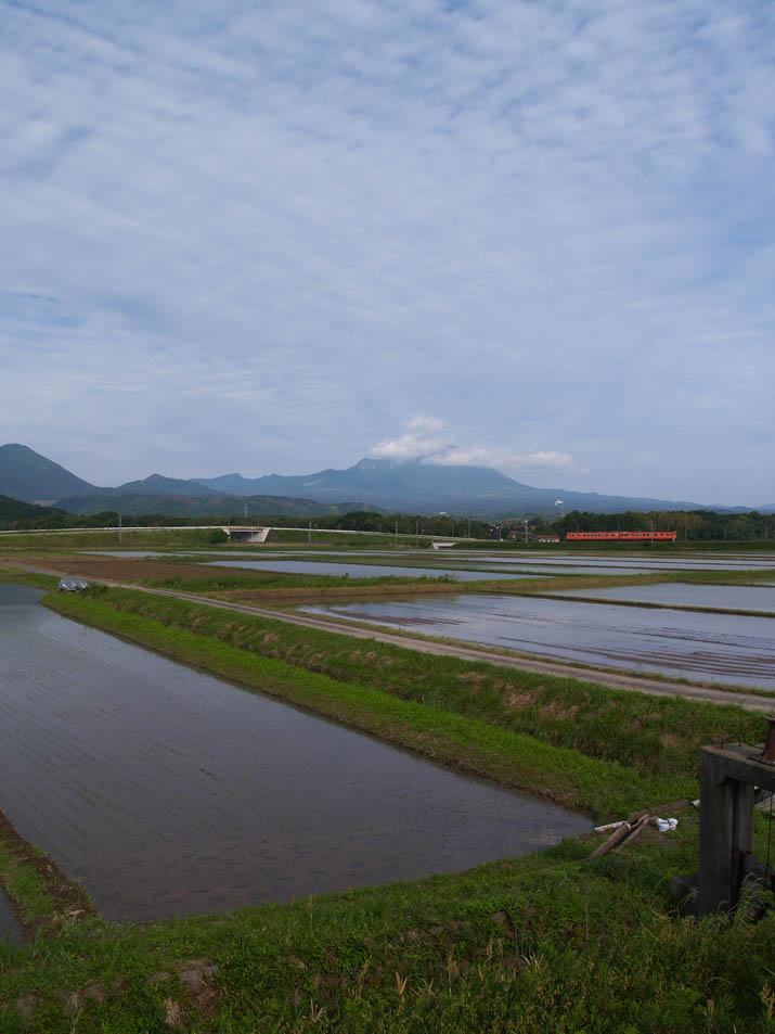 100528 佐陀川横の田園風景.jpg