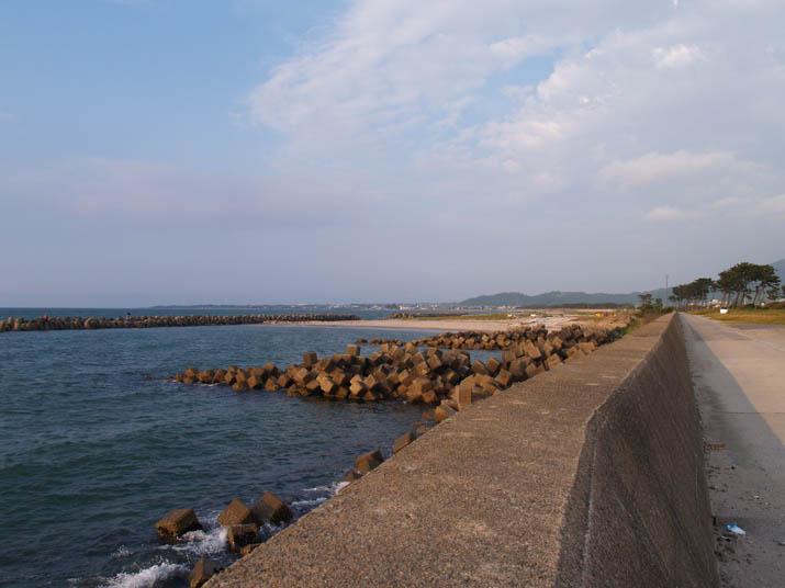 100601 海岸線と淀江の港.jpg