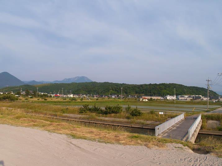 100604 壺瓶山と淀江.jpg