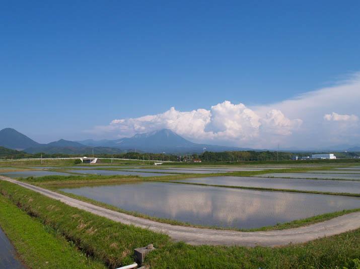 100608 青空と大山.jpg