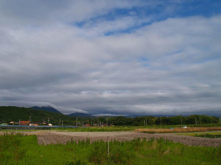 100712 雲に覆われた大山.jpg