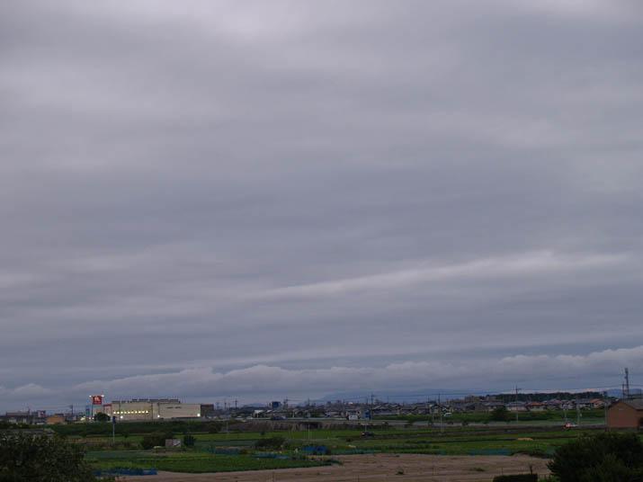 100712 南の空も雲ばかり.jpg