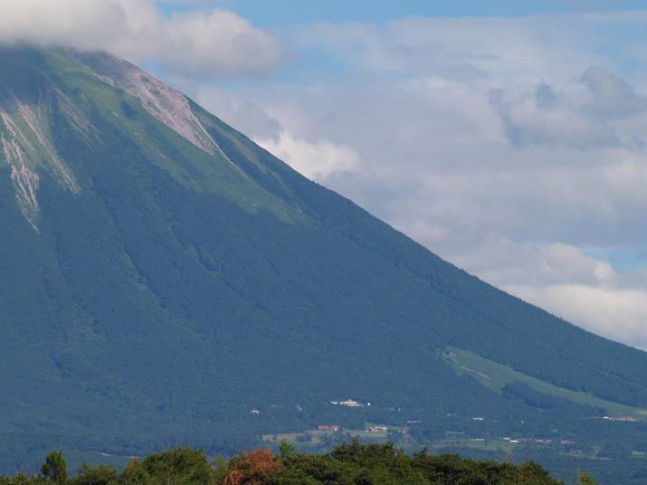 100804 大山山頂と西側地域.jpg