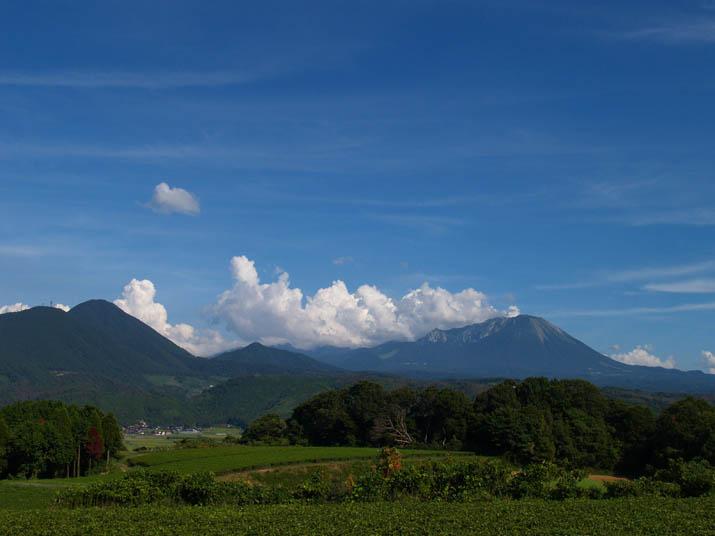 100827 青空と大山と・・.jpg