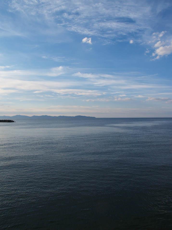 100902 青空と美保の海.jpg