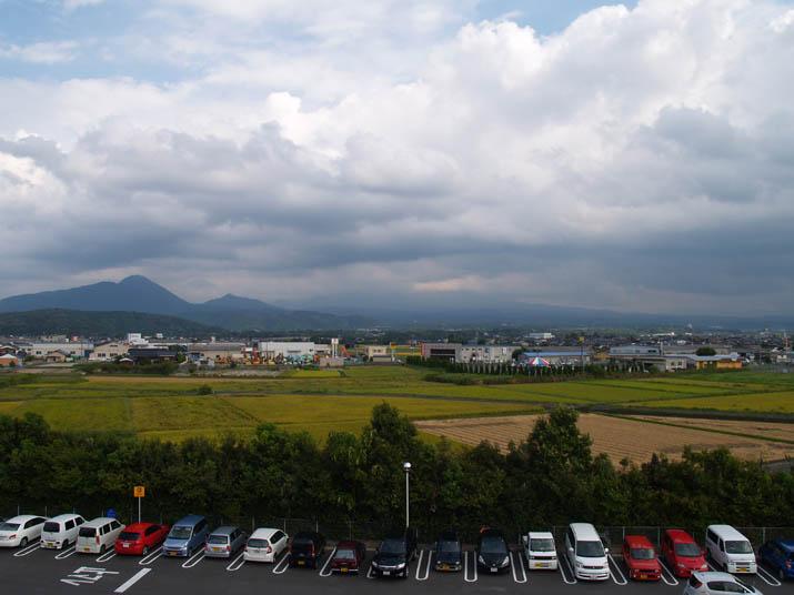 100920 ジャスコの駐車場から 大山方向.jpg