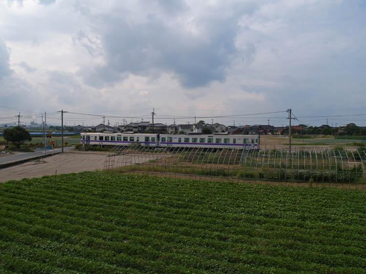 100926 走り去る山陰線列車.jpg