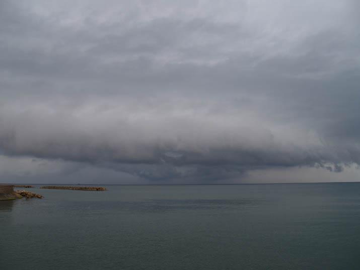 101003 夕方の雨雲.jpg