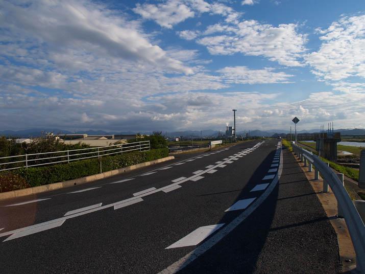 101006 日野川沿いの道.jpg