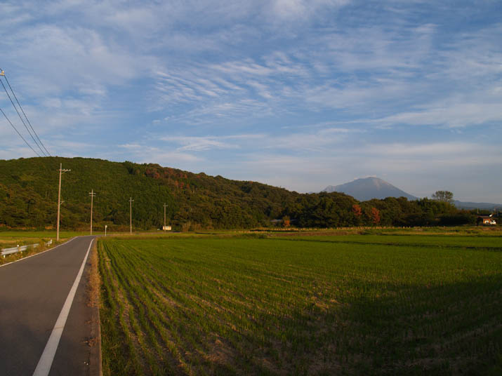 101016 大山と壺瓶山.jpg