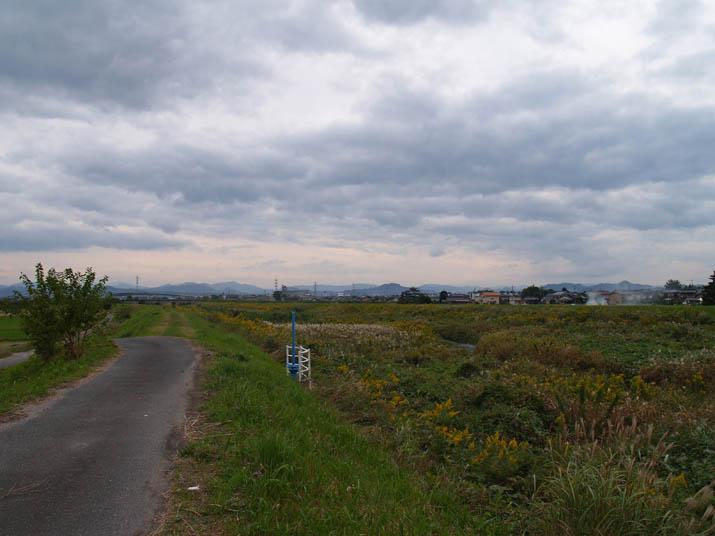 101022 岸本町方向の雲.jpg