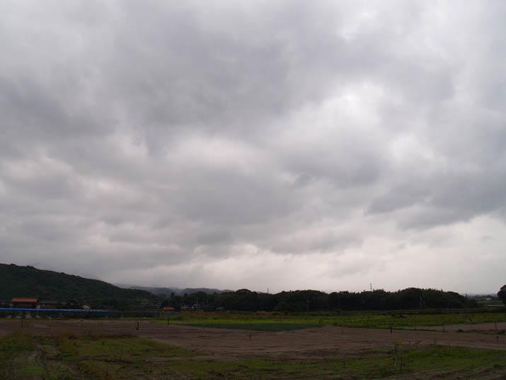 101028 大山は雲の中.jpg