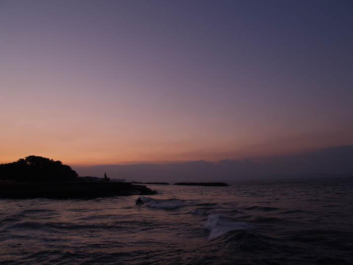 101105 日没後の海.jpg