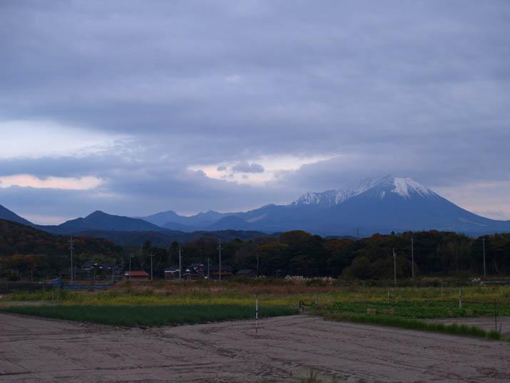 101119 夕方の大山.jpg