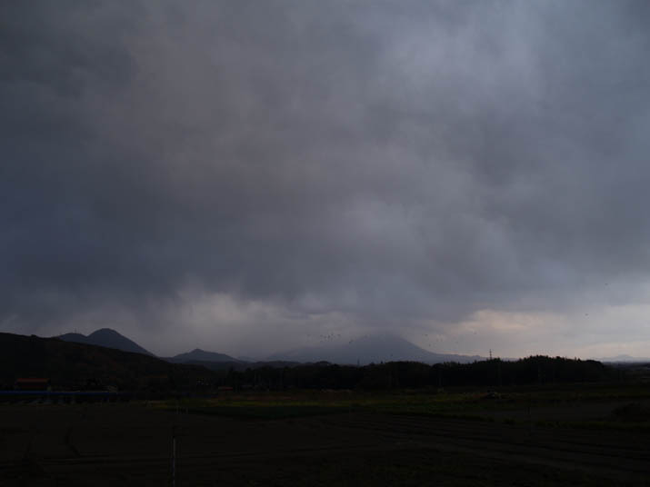 101203 雲の大山.jpg