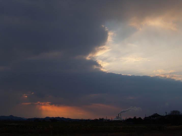 101217 雲と大山.jpg