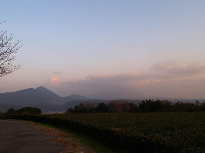 101223 霞んだ大山.jpg