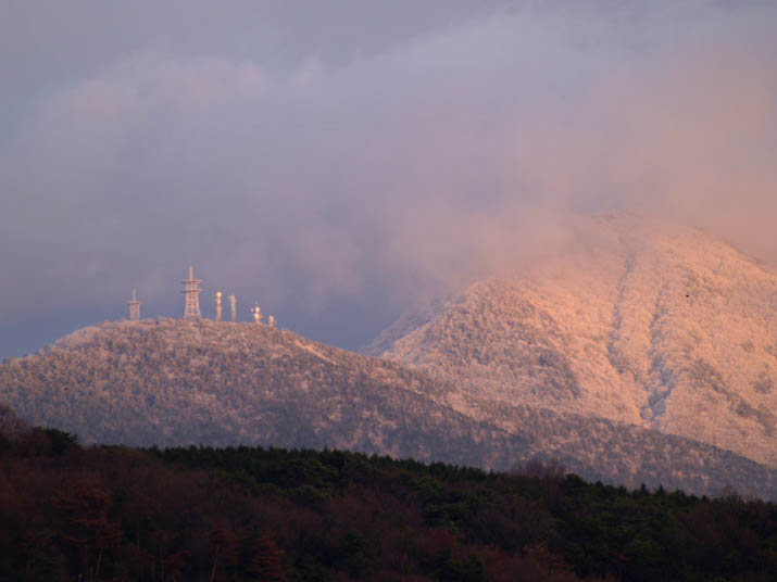 101226 雪山孝霊山.jpg