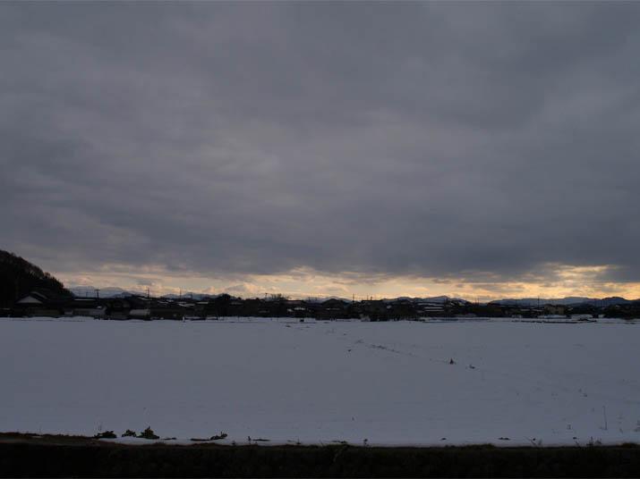 110109 雪の小波浜.jpg