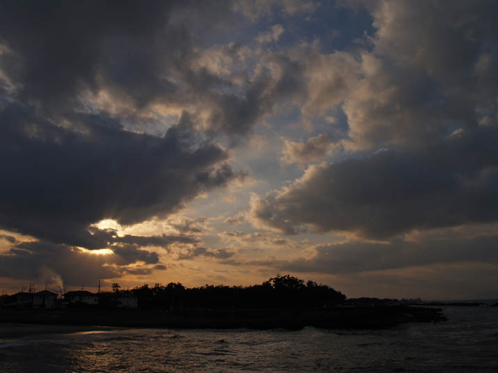 110114 佐陀川河口の夕日.jpg