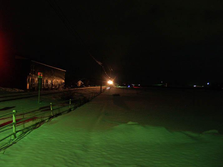 110122 夜の山陰線列車.jpg