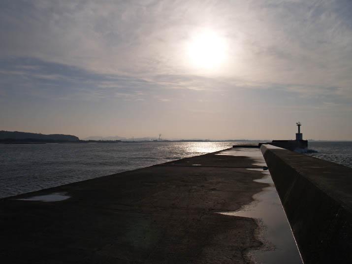 110226太陽と海と灯台と.jpg