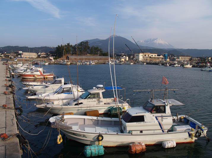 110227 淀江漁港の漁船.jpg