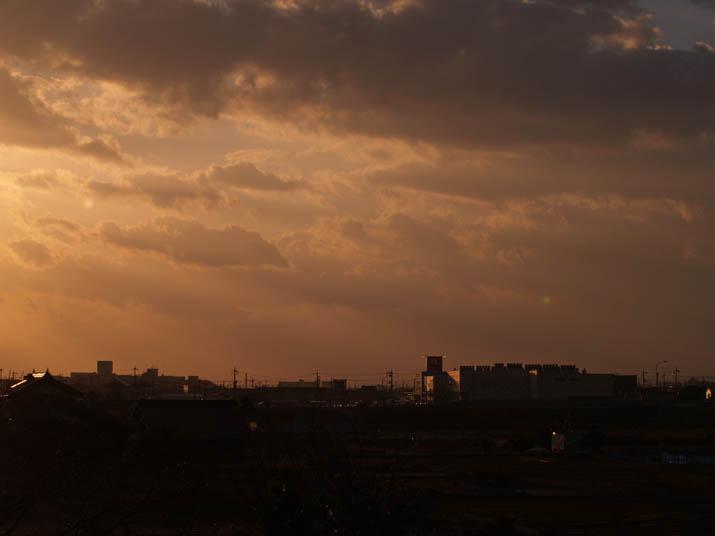 110308 ナフコと夕焼け雲.jpg
