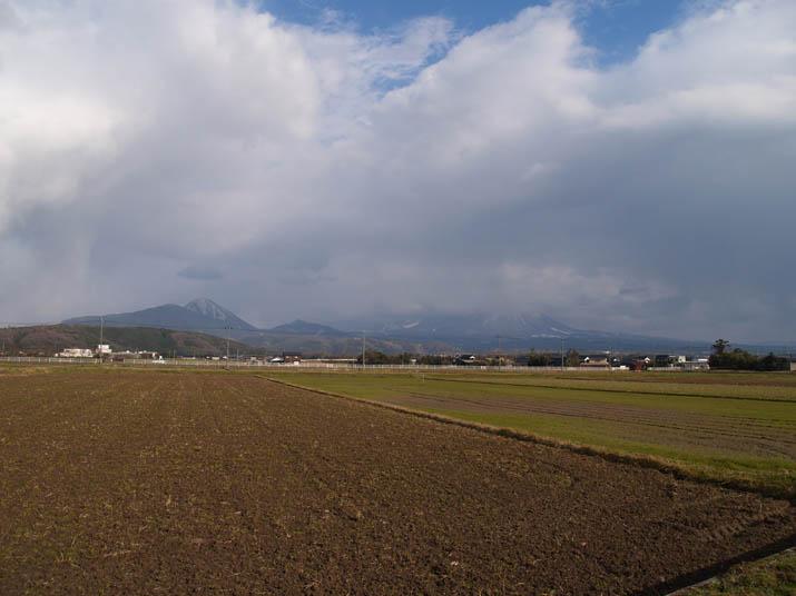 110310 佐陀から見る大山.jpg