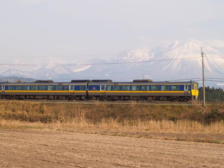110316 山陰線の特急列車.jpg