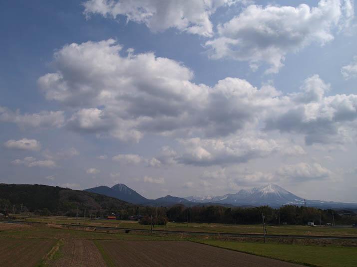 110319 眩しい大山.jpg