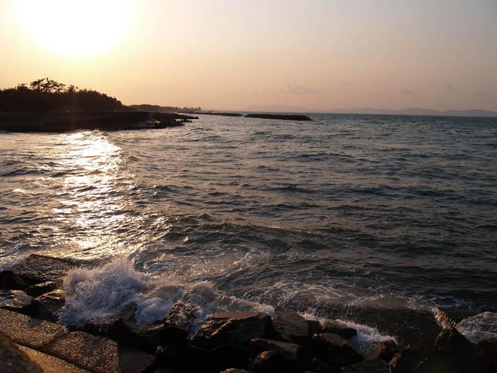 110324 夕日の海岸.jpg