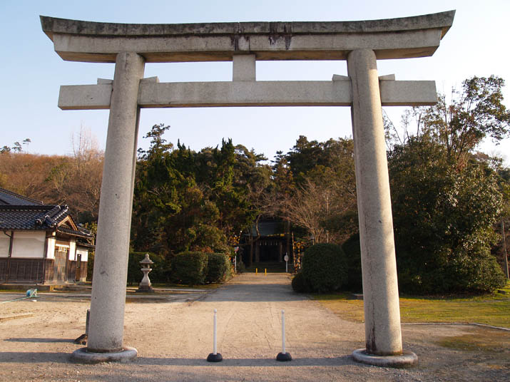 110402 日吉神社の鳥居.jpg
