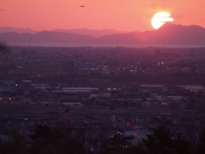 110419 夕日と米子市街.jpg