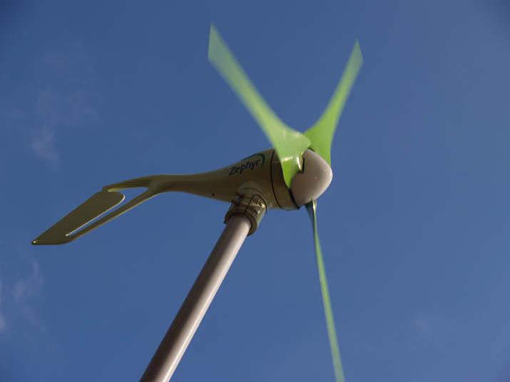 110423 イオンの風力発電機.jpg