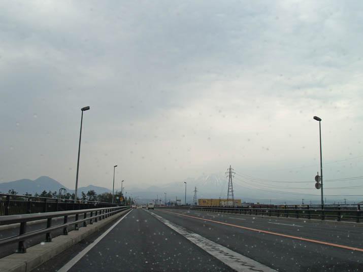 110430 新日野橋から大山.jpg