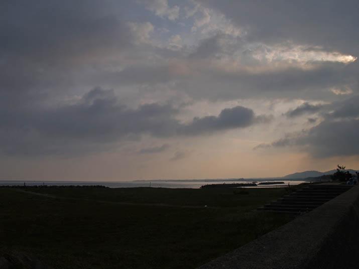 110508 朝の海岸.jpg