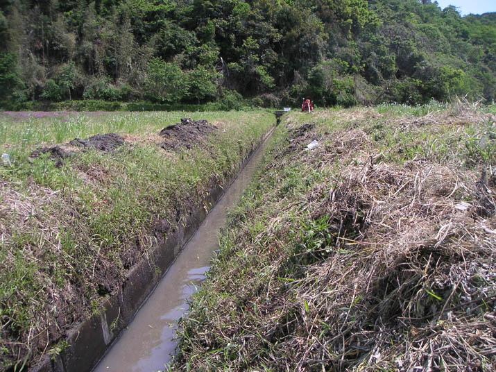 110515 農業用水兼防火用水路.jpg