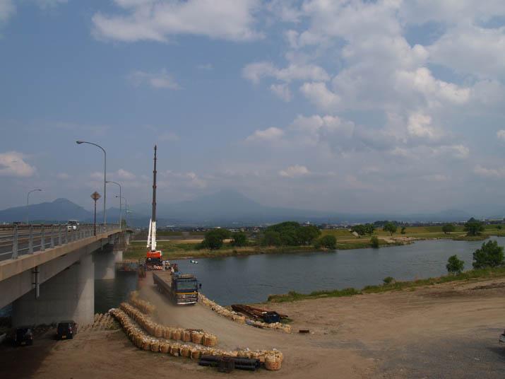 110521 工事中の皆生大橋.jpg