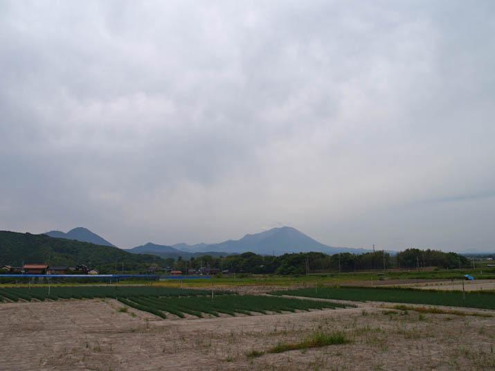 110526 梅雨空の大山.jpg