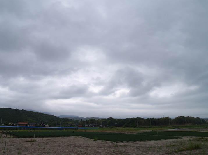 110531 キリのような雲に隠れた大山.jpg