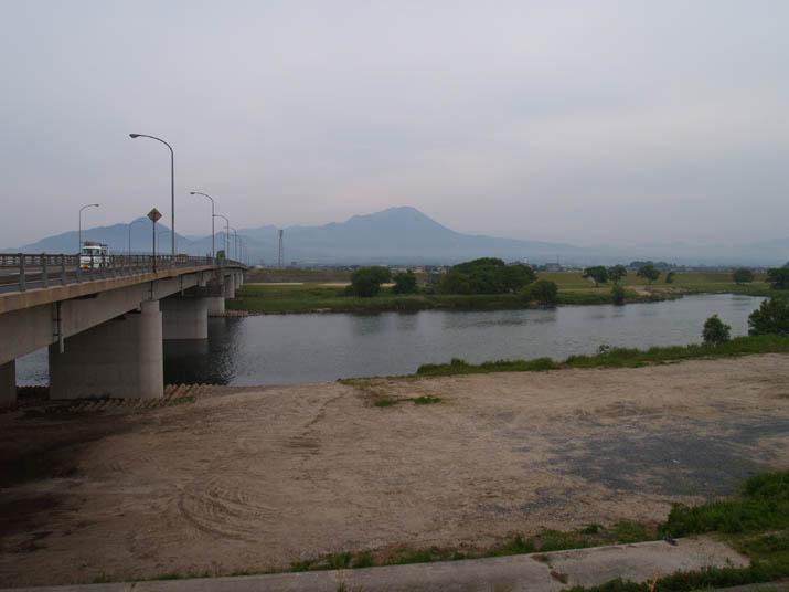 110606 皆生大橋と大山.jpg