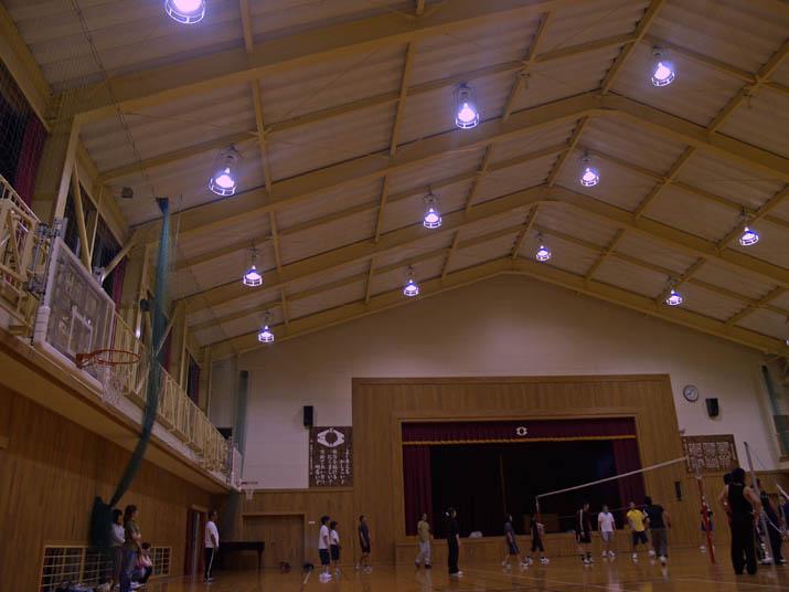 110608 淀江小学校の体育館.jpg