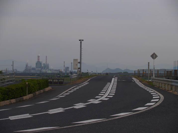 110609 日野川沿いの道路.jpg